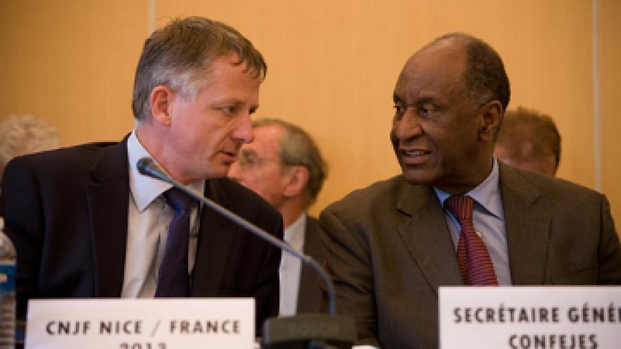 Monsieur Benoit Kandel, 1er Adjoint du Maire de Nice et Monsieur Youssouf Fall, Secrétaire général de la Confejes © CIJF / photo : Patrick Lazic