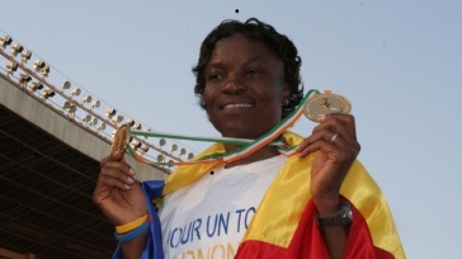 Nadjina Kaltouma, double médaille d'or sur le 200 et 400m, Jeux de la Francophonie Niger 2005 ; © Mahaman Laminou Ibrahim / IFTIC Niger